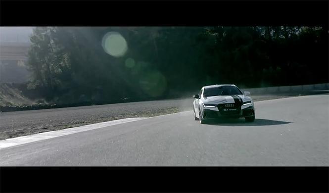 plantilla del Barça se sube al Audi RS7 que conduce solo 6