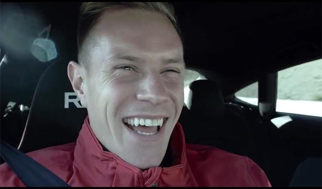 plantilla del Barça se sube al Audi RS7 que conduce solo 7