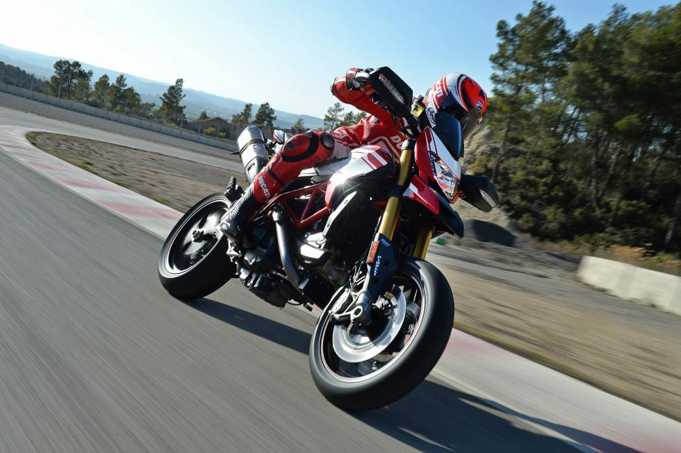 Ducati-Hypermotard-939-4