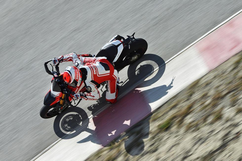 Ducati-Hypermotard-939-5