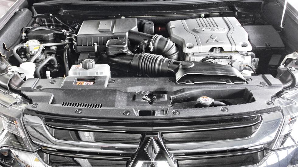 SUV híbridos: Mitsubishi Outlander PHEV motor
