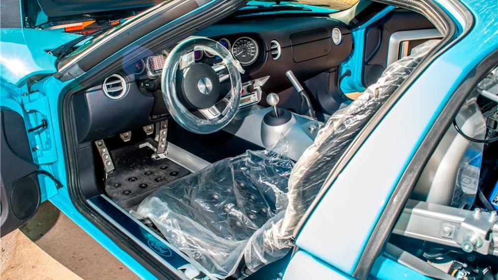 Ford GT Heritage Edition interior nuevo