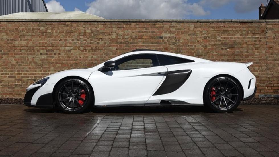 McLaren 675LT White Silica lateral