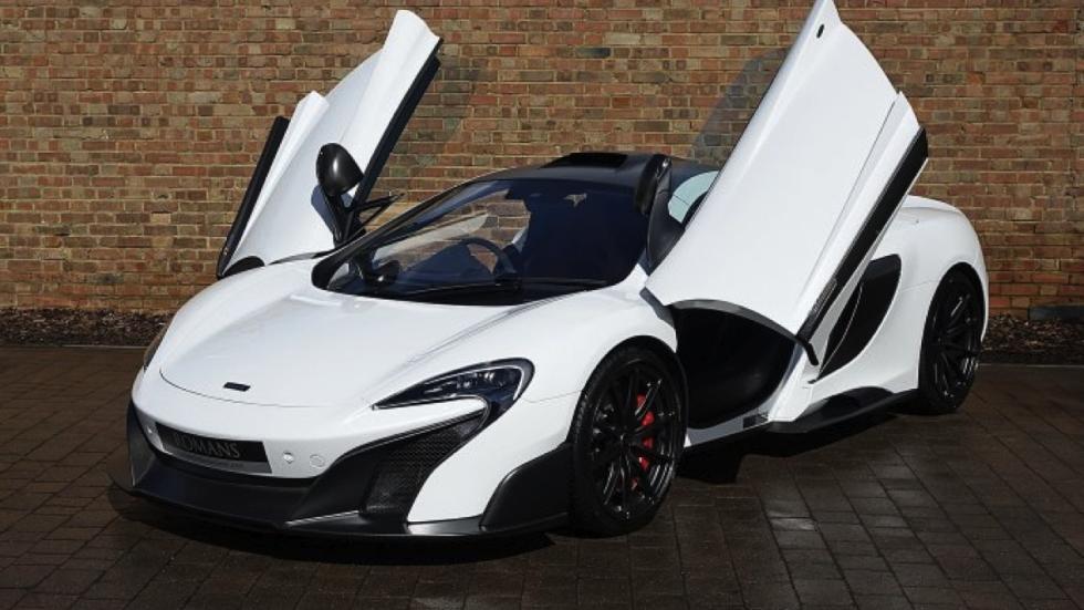 McLaren 675LT White Silica puertas