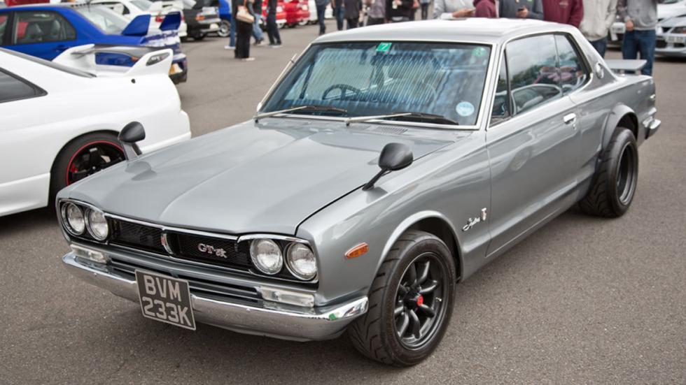 Nissan Skyline delantera