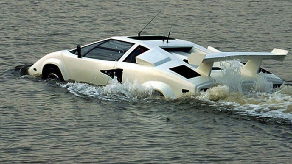 Lamborghini Countach anfibio