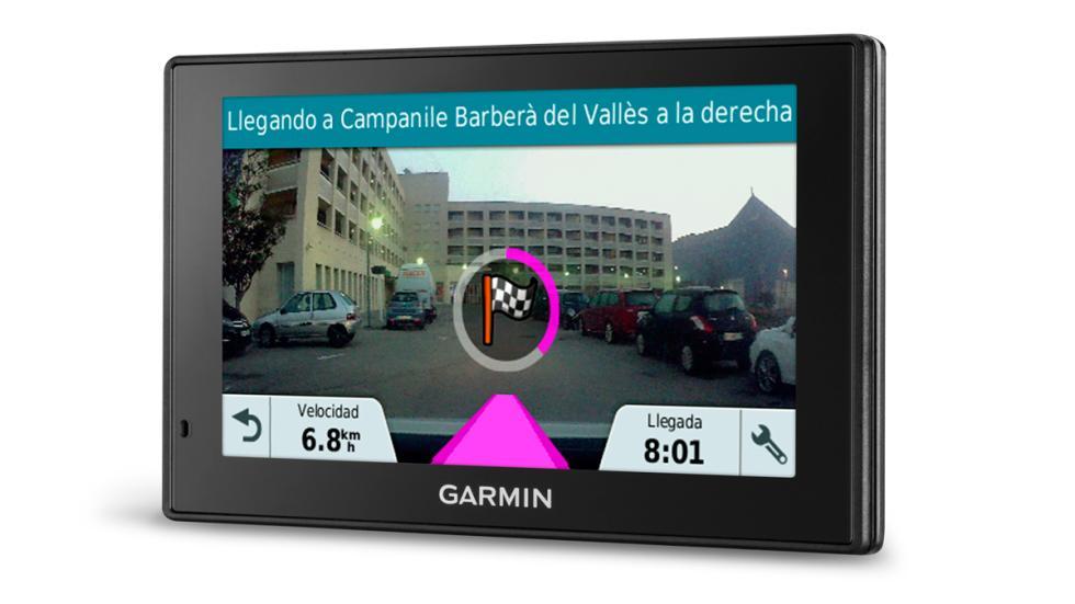 función Garmin Real Vision Garmin DriveAssist