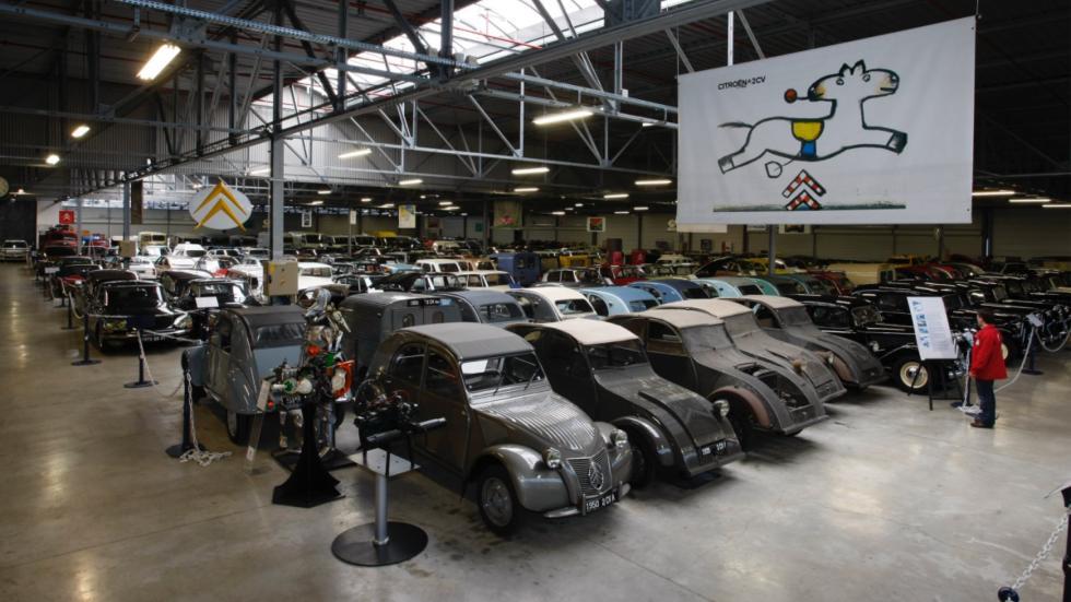 colección de coches que hay en el Conservatorio