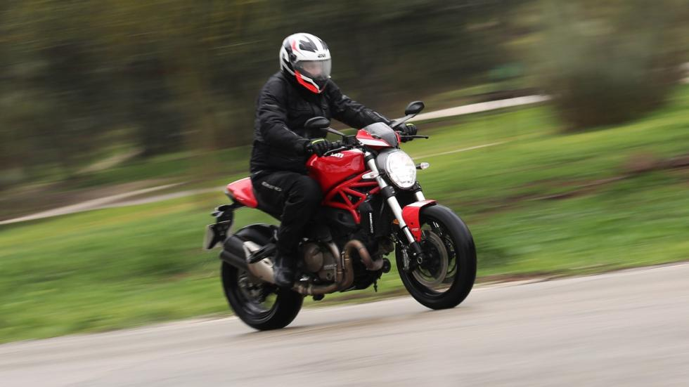 Prueba-Ducati-Monster-821-Stripe-2016-franada