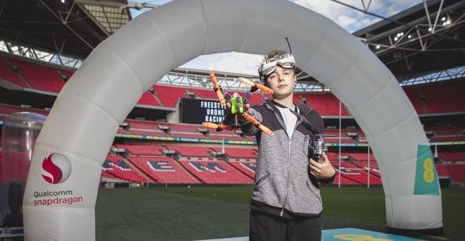 ganador carrera drones wembley