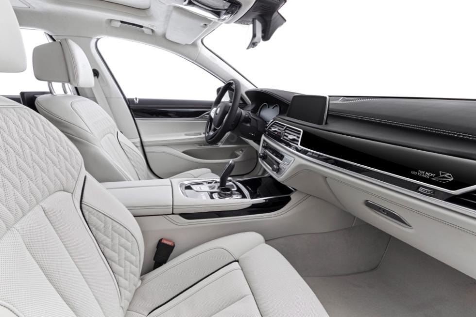 BMW_interior