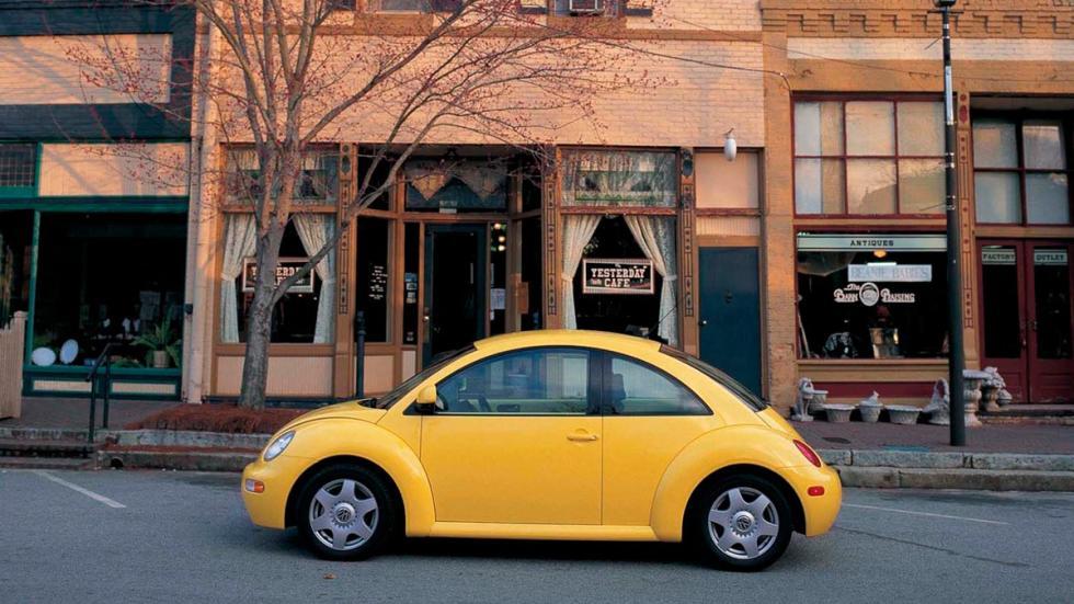 Al contrario que el modelo original, el VW New Beetle lo tiene complicado para s