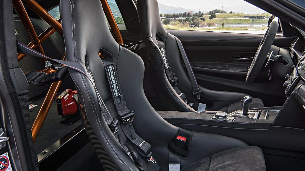 BMW M4 GTS 2016 interior