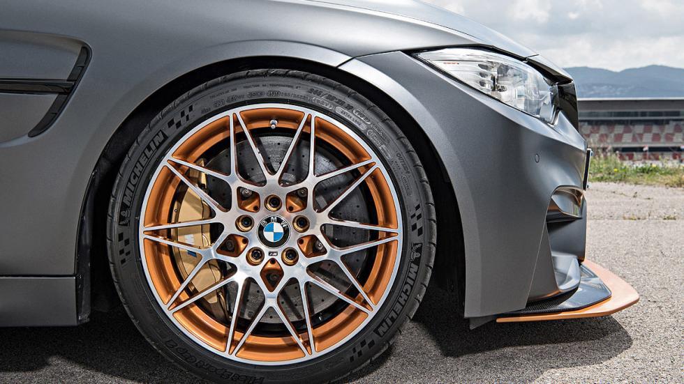 BMW M4 GTS 2016 lateral llanta