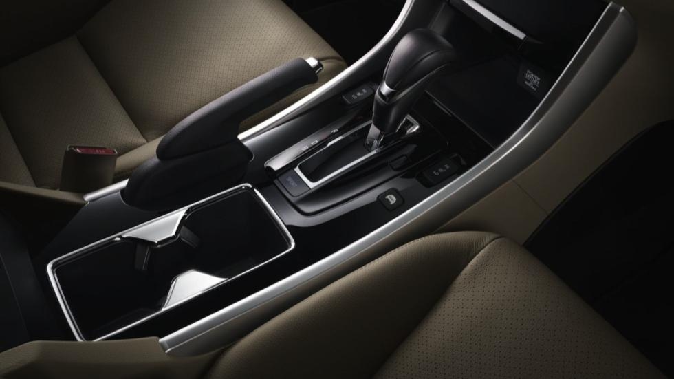 Honda Accord Hybrid cambio