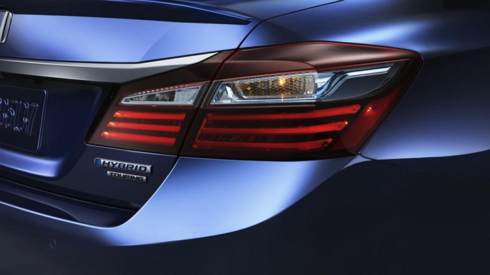 Honda Accord Hybrid faro trasero
