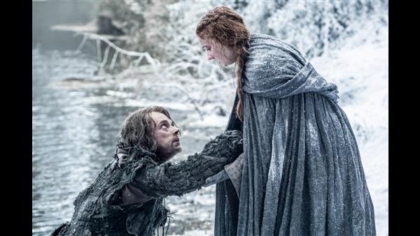 Sansa Stark y Theon Greyjoy, en la temporada 6 de 'Juego de Tronos'.