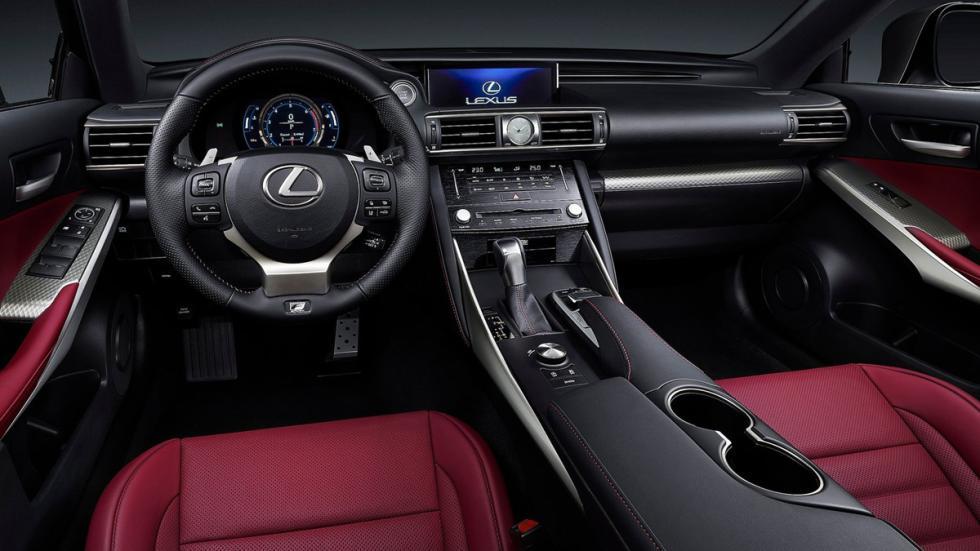 Lexus IS 2017 salpicadero