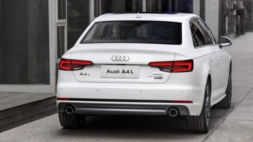 Audi A4 L trasera