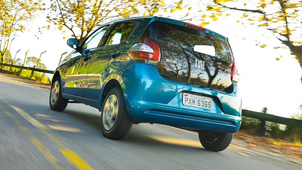 Fiat Mobi 2016 trasera