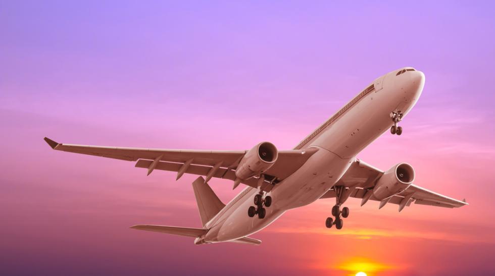 aviones comerciales vuelta mundo tesla