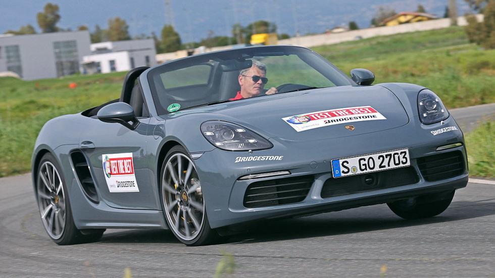 Porsche 718 Boxster curva