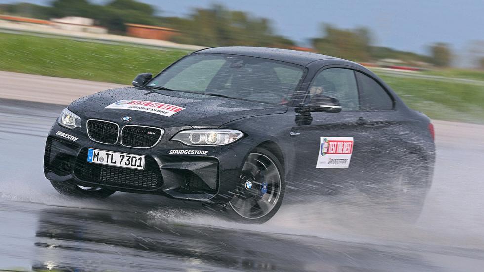 BMW M2 agua