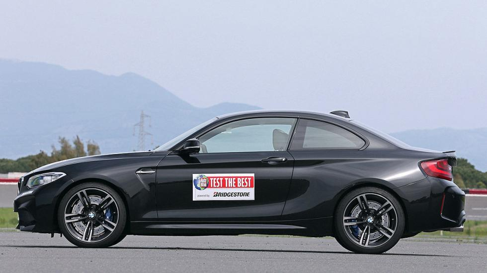 BMW M2 lateral