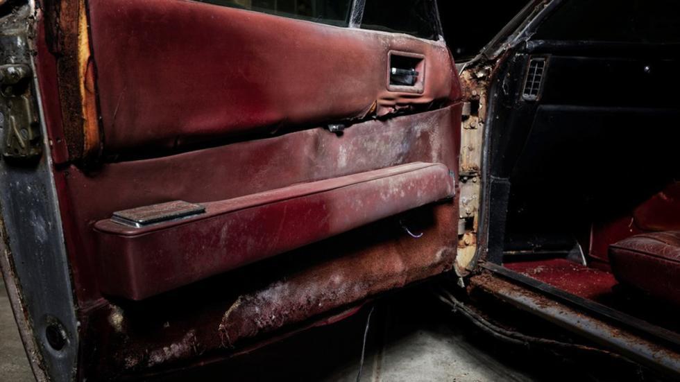subasta Aston Martin DBS 1968 puerta