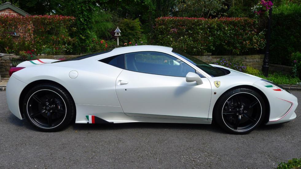 deportivos-color-blanco-Ferrari-458-speciale