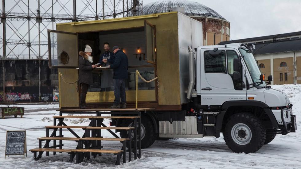 Mercedes Unimog foodtruck