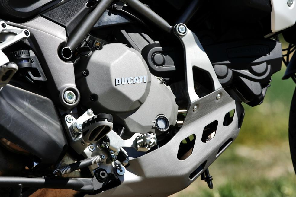 Ducati-Multistrada-1200-Enduro-motor