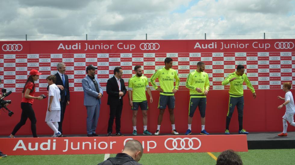 benzema real madrid audi junior cup jugadores trofeos niños