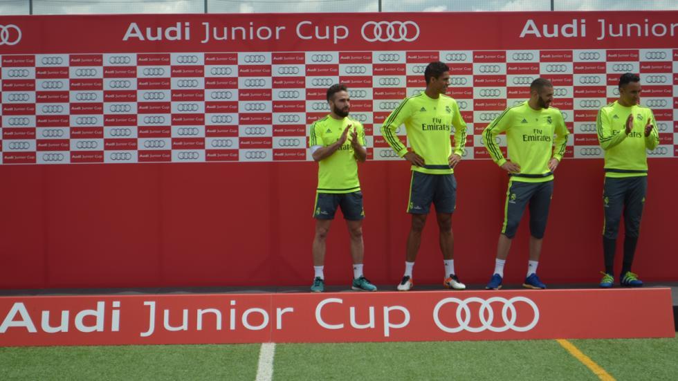 benzema real madrid audi junior cup jugadores entrega