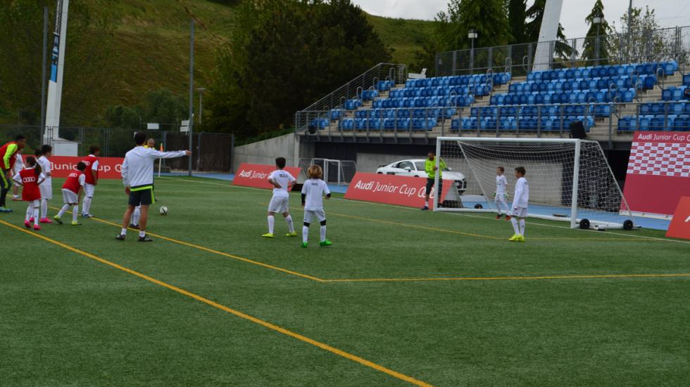 benzema real madrid audi junior cup jugadores penalti