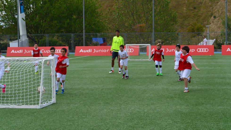 benzema real madrid audi junior cup jugadores varane