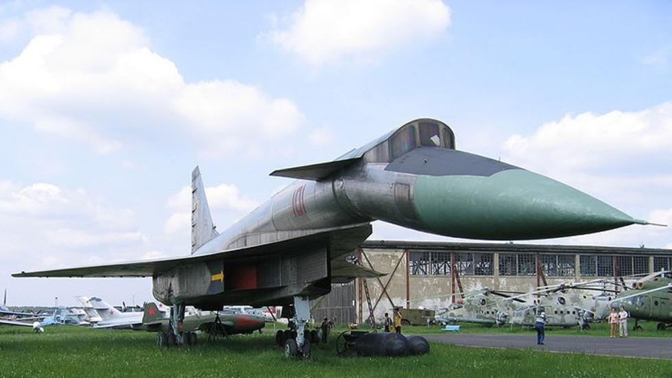 prototipos maquinaria sovietica pasado bombardero