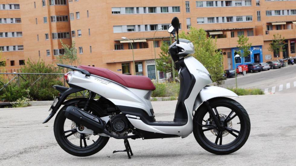 Prueba-Peugeot-Tweet-125-lateral-estática