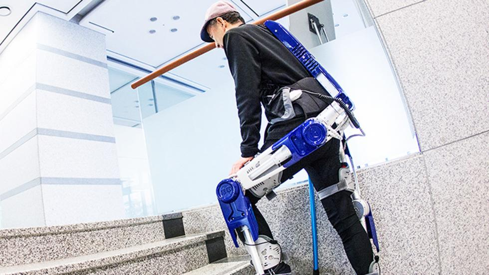 exoesqueleto hyundai corea pies escaleras