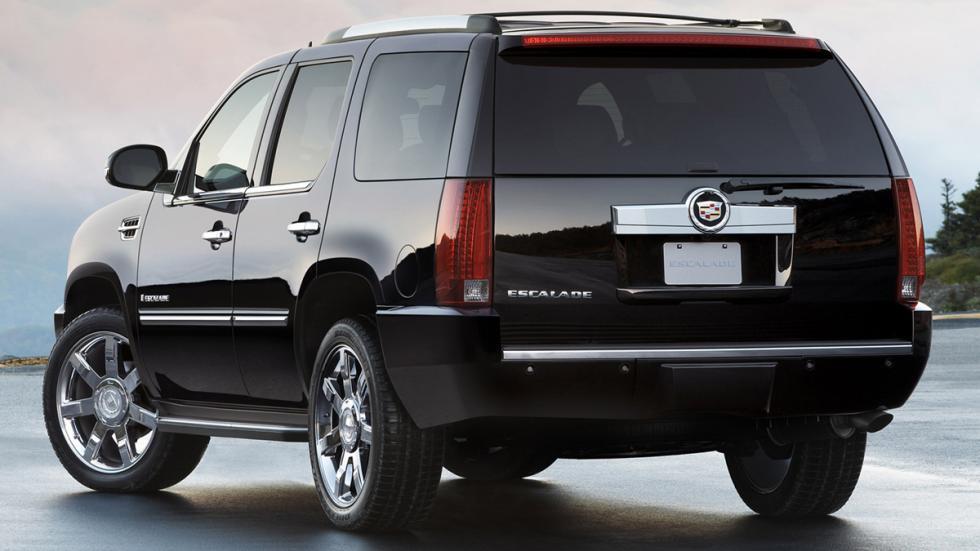 SUV-potentes-baratos-Cadillac-Escalade-zaga