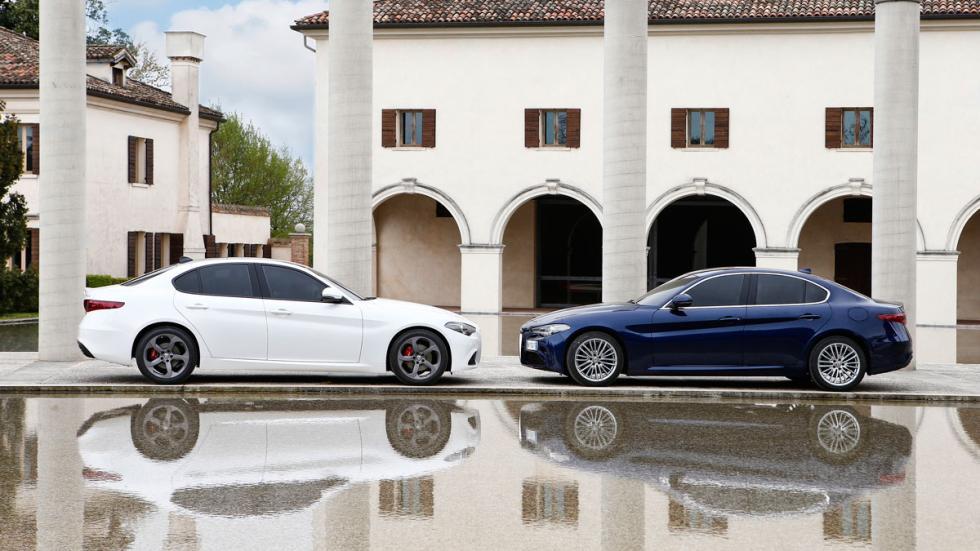 Prueba Alfa Romeo Giulia lateral blanco azul