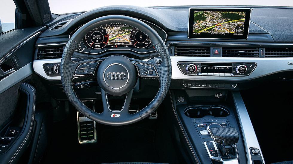 Audi A4 Avant cockpit