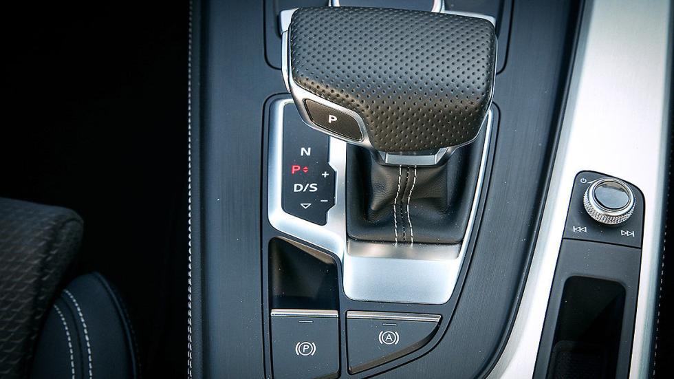 Audi A4 Avant cockpit detalle