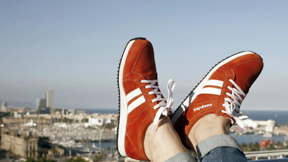 zapatillas inteligentes easy jet guian ciudad app