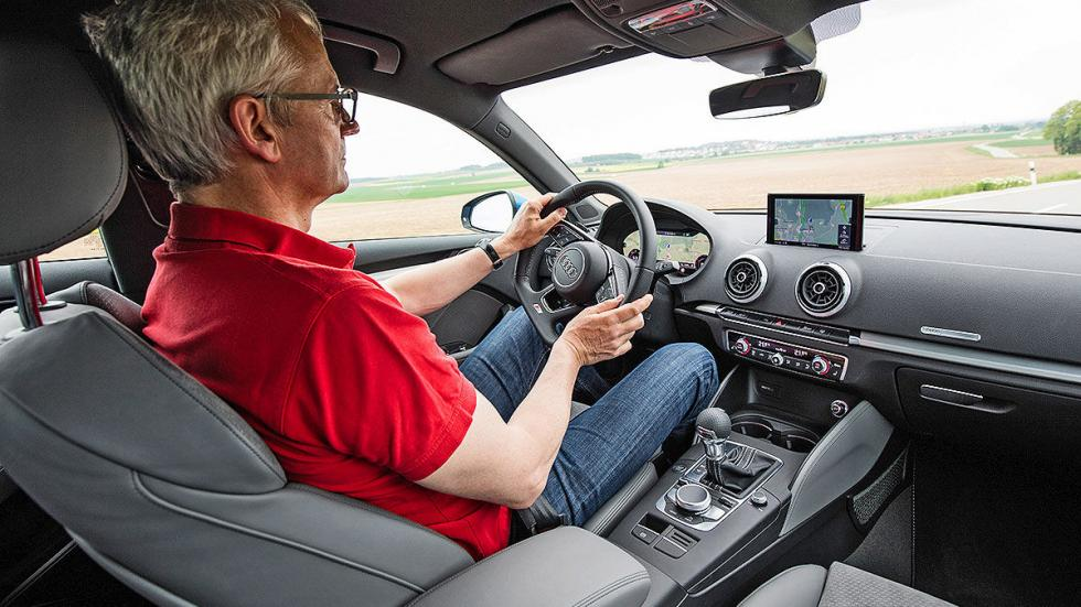 Audi A3 2016 cockpit