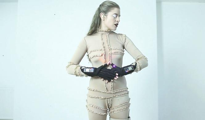mi.mu gloves guantes interactivos mazda