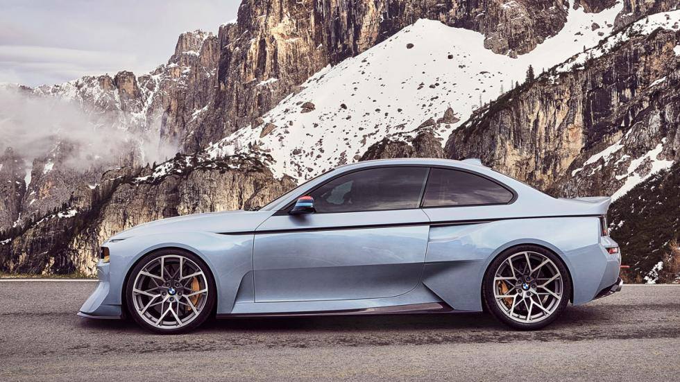 BMW 2002 Hommage lateral