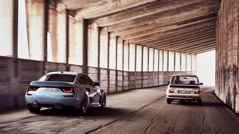 BMW 2002 Hommage trasera original