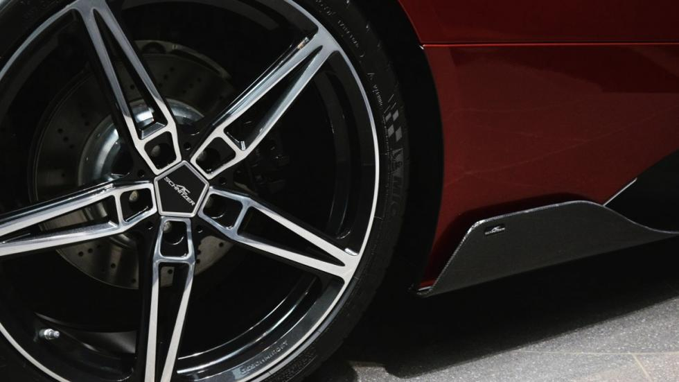 BMW i8 Lava Red rueda