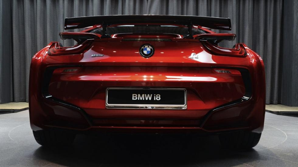 BMW i8 Lava Red trasera